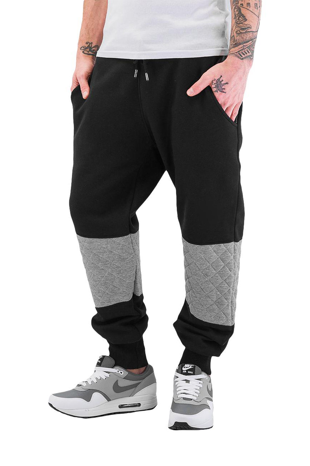JUST RHYSE Stepp Sweat Pants Black auf oboy.de