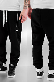 JUST RHYSE Momo Sweat Pants Black auf oboy.de