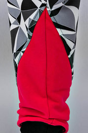 JUST RHYSE Triangle Sweat Pants Black auf oboy.de