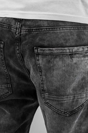 JUST RHYSE Checked Antifit Jeans Black auf oboy.de